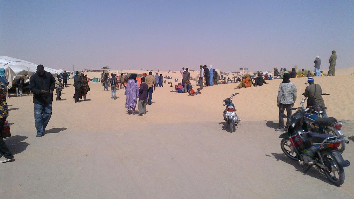 Opening moments of 2012 Festival au Desert, Timbuktu, Friday, January 13, 2012