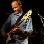 Ginger Baker's Jazz Confusion: Alec Dankworth am E-Bass in der Kofferfabrik Fürth am 2014-02-09