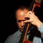 Ginger Baker's Jazz Confusion: Alec Dankworth am Kontrabass in der Kofferfabrik Fürth am 2014-02-09
