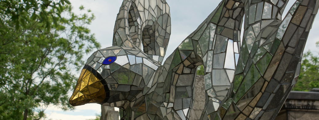 Niki de Saint Phalle: A mon ami Jean-Jacques, un oiseau qui s'est envolé trop tôt, Niki (1998) - Header 1