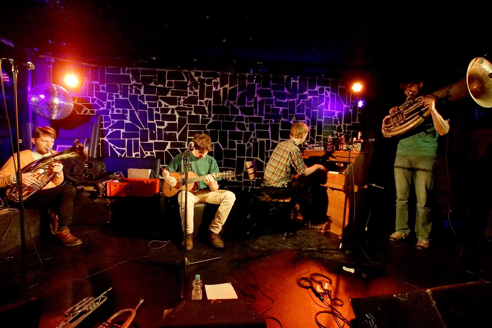 Kofelgschroa: Nürnberg, Club Stereo (2015)